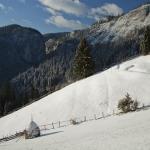 Traseu  Bicaz Chei – sat Bârnadu – Vf Criminiş – Vf Munticelu Rezervaţia Cheile Şugăului