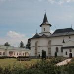 """14 octombrie – Hram la Catedrala Arhiepiscopală """"Sfânta Parascheva"""" Roman"""