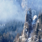 Muntele Ceahlău învăluit în misterul legendei Babei Dochia