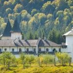 Pe cărarea mănăstirilor în Neamț