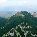De la pescuit și caiac sau călărie, la via ferrata și zbor cu parapanta în Neamț