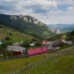 09-barnadu-satul-dintre-munti-2013