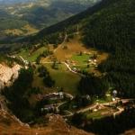 Sate de munte, peisaje de vis: Bârnadu –  Trei Fântâni – Izvorul Alb