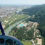 Drumeții în zbor și cursuri de pilotaj în Neamț