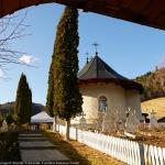 Mănăstirea Horăicioara și Izvorul Maicii Domnului – fotograf Cristian VIDRAŞCU