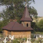"""Biserica """"Sfinţii Petru şi Pavel"""", Luminiş – Piatra Şoimului"""